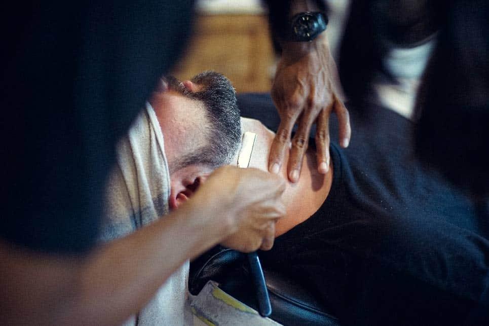 afeitado con navaja