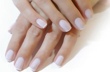 Esmalte permanente de uñas