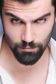 Cejas de hombre depiladas
